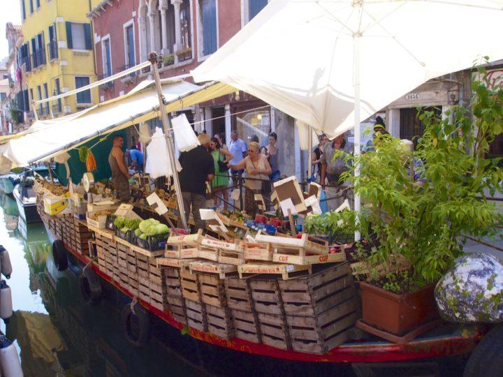 Winter School Urban Food, HS21: Venedig. Schwimmender Markt, Castello, Venedig © Simon Collison (CC BY-NC 2.0)